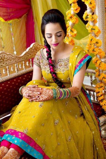 Beautiful & Best Mehndi Dresses Designs Collection for Girls 2014-2015 (8)