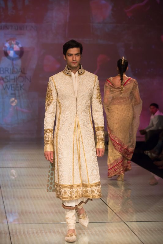 Tarun Tahiliani Top Indian Sherwani Designers Best Collection for Weddings and Parties (1)