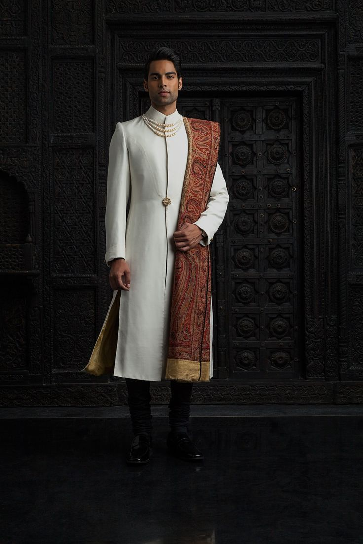 Tarun Tahiliani Top Indian Sherwani Designers Best Collection for Weddings and Parties (2)
