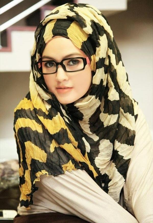Latest Hijab Style DesignTrends & Tutorial For Girls 2015-2016 with Pictures (33)