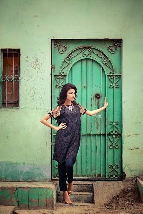 Sana Safinaz Latest Winter Shawls Collection Designer Ready Made Dresses for Women 2014-2015 (33)