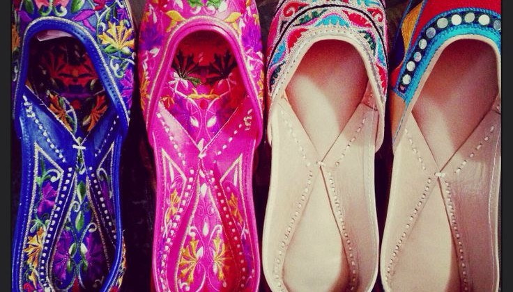 Beautiful Punjabi Khussa Shoes Trends in Asia - Latest Designs  (7)