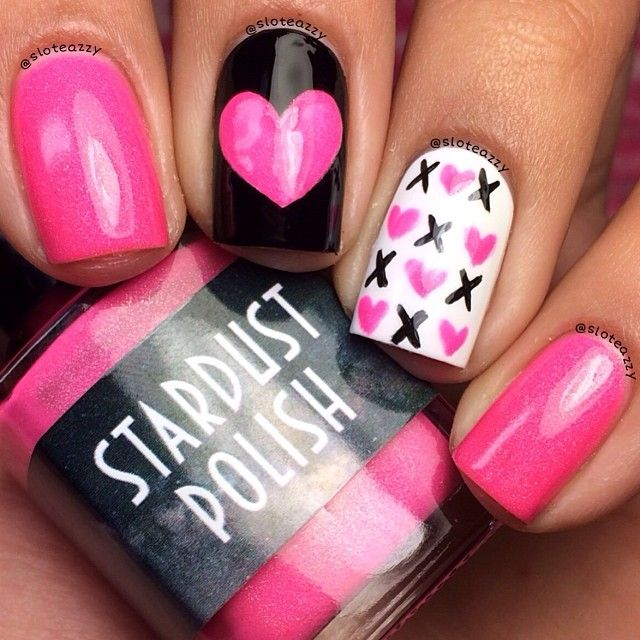 LOVE ON THE LINE XOXO KISSES & HUGGS - romantic nail art designsBest & Beautiful Nail Art Designs & Ideas to Spice up your Valentines Day (1)