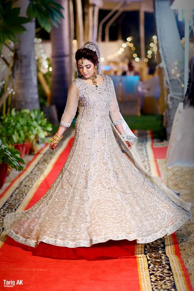 Barat wedding day dresses for