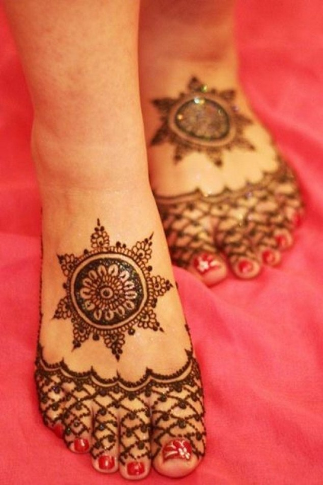 Latest Eid Mehndi Designs for Hands Feet Collection 2015-201 (5)