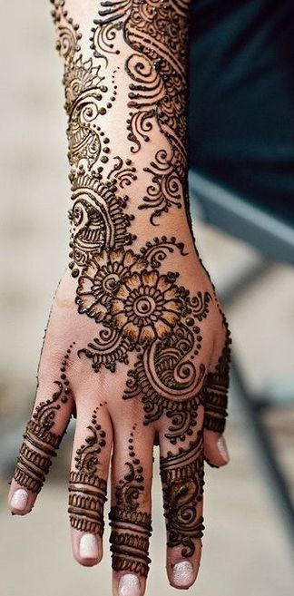 Latest Eid Mehndi Designs for Hands Feet Collection 2015-201 (8)