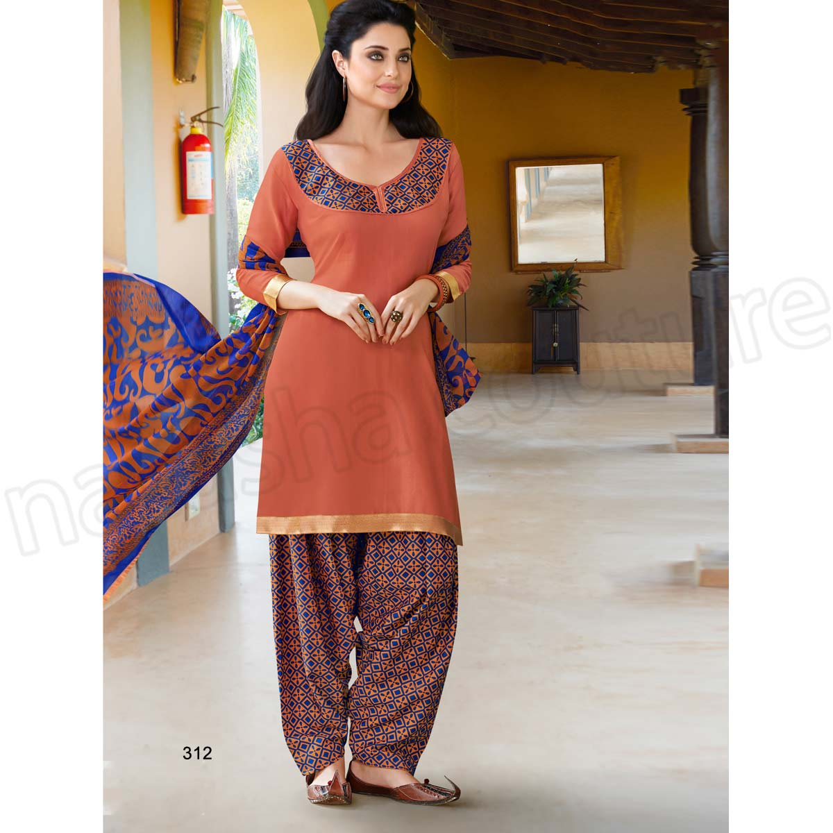 Latest Indian Patiala shalwar kameez fashion 2015-2016 (23)