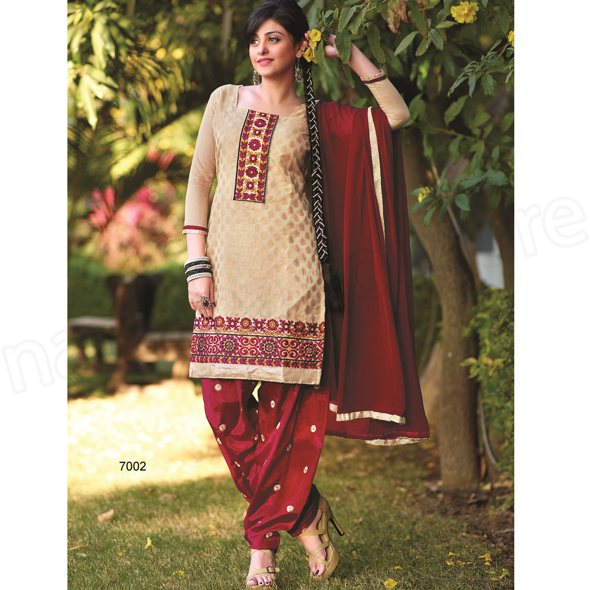 Latest Indian Patiala shalwar kameez fashion 2015-2016 (9)