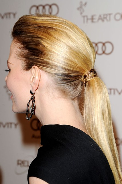 latest ponytail hairstyles for medium length hairs (10)
