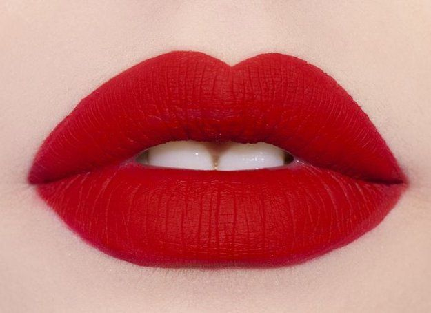 Bold Red Lipstick Tutorial Step by Step for Christmas (7)
