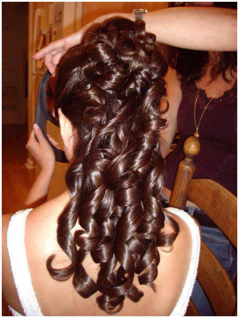 Curly Long Hairs Hairstyles for Winter Fall (1)