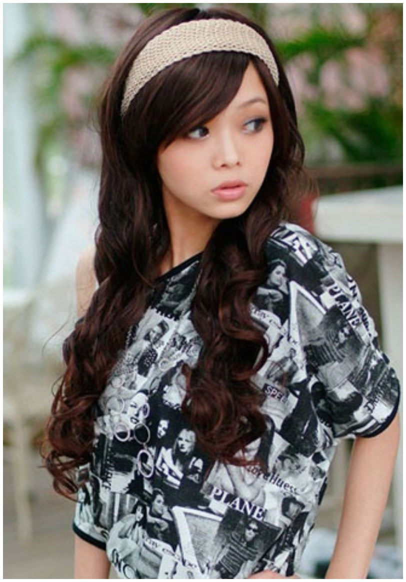 Curly Long Hairs Hairstyles for Winter Fall (2)