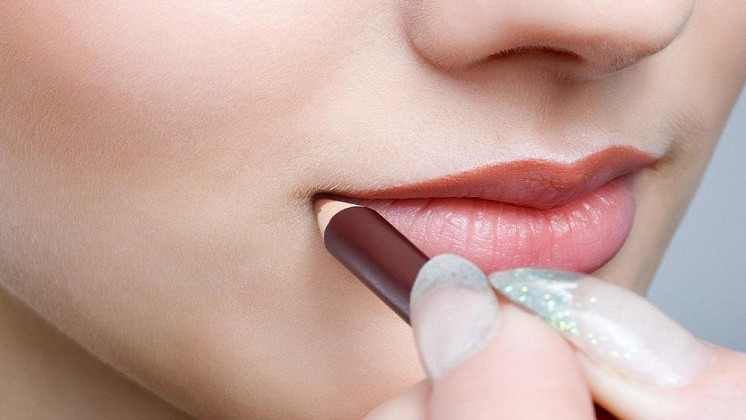 How to apply Nude Lipstick Stepwise