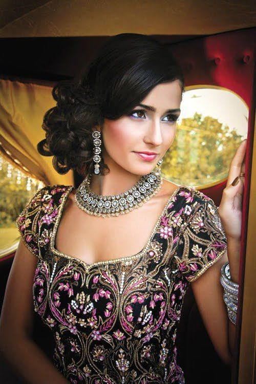 Astounding Indian Wedding Hairstyle Trends 2016 2017 For Bridals Short Hairstyles For Black Women Fulllsitofus