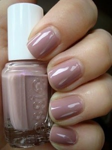 Top 10 Best Nail Colors for Winter Fall Season 2015-2016 (11)