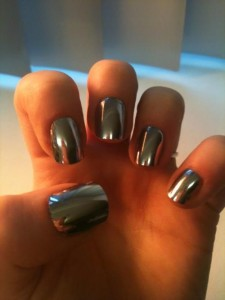 Top 10 Best Nail Colors for Winter Fall Season 2015-2016 (13)