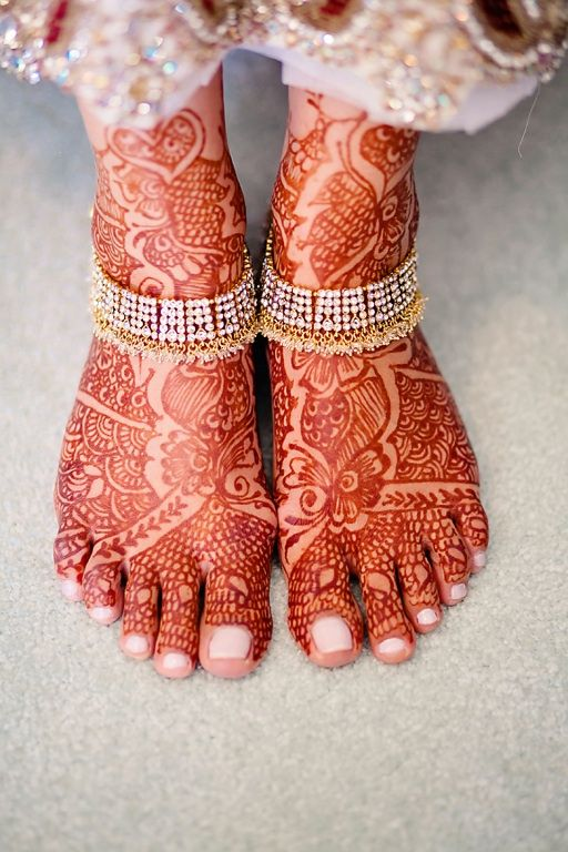 Latest Bridal Mehandi Designs Trends for Weddings (3)