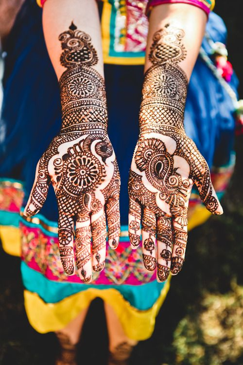 Latest Bridal Mehandi Designs Trends for Weddings (7)
