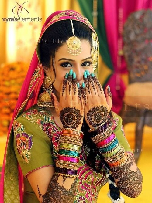 Latest Bridal Mehandi Designs Trends for Weddings (9)