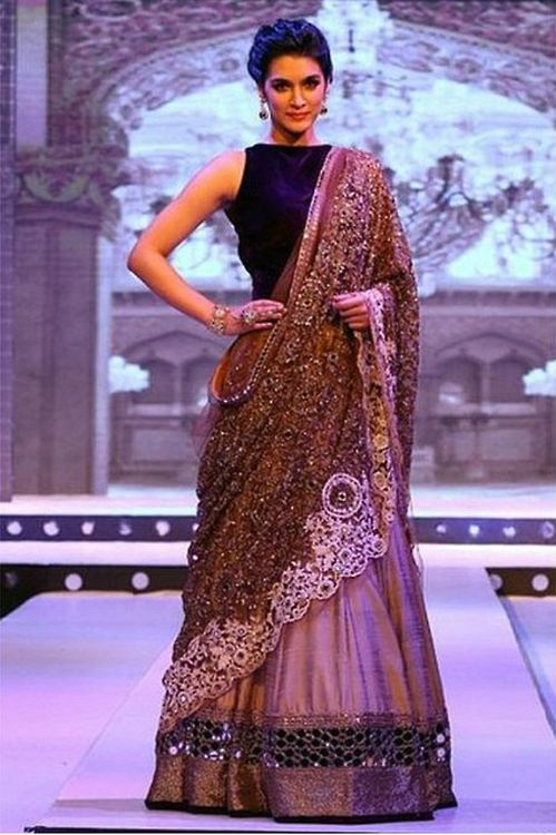Manish Malhotra Latest Indian Designer Sarees (1)