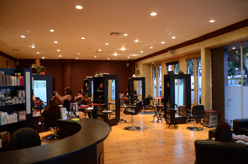 Top 10 best popular beauty salons in america for women for Makeup salon