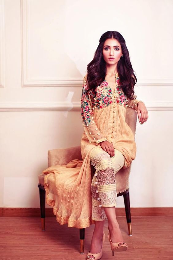 Party Wear Embroidered Dresses Designs Collection 2016-2017 (9)