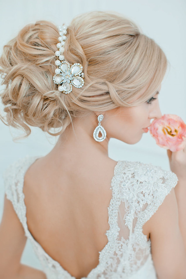 pearl-wedding-handbands-for-updo-wedding-hairstyles