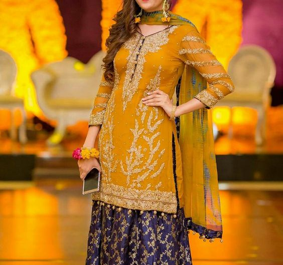 Mehndi Clothes Design : Best latest bridal mehndi dresses designs collection
