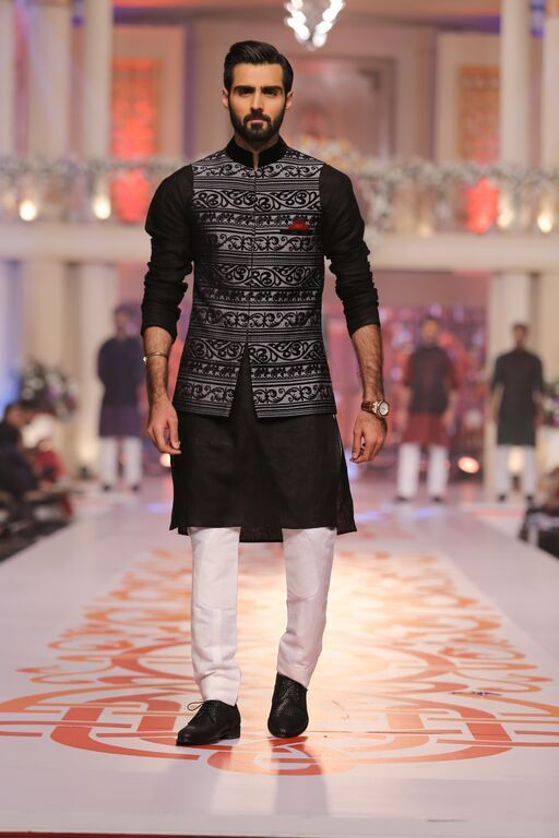 Mehndi Outfits For Guys : Latest men mehndi dresses kurta shalwar collection