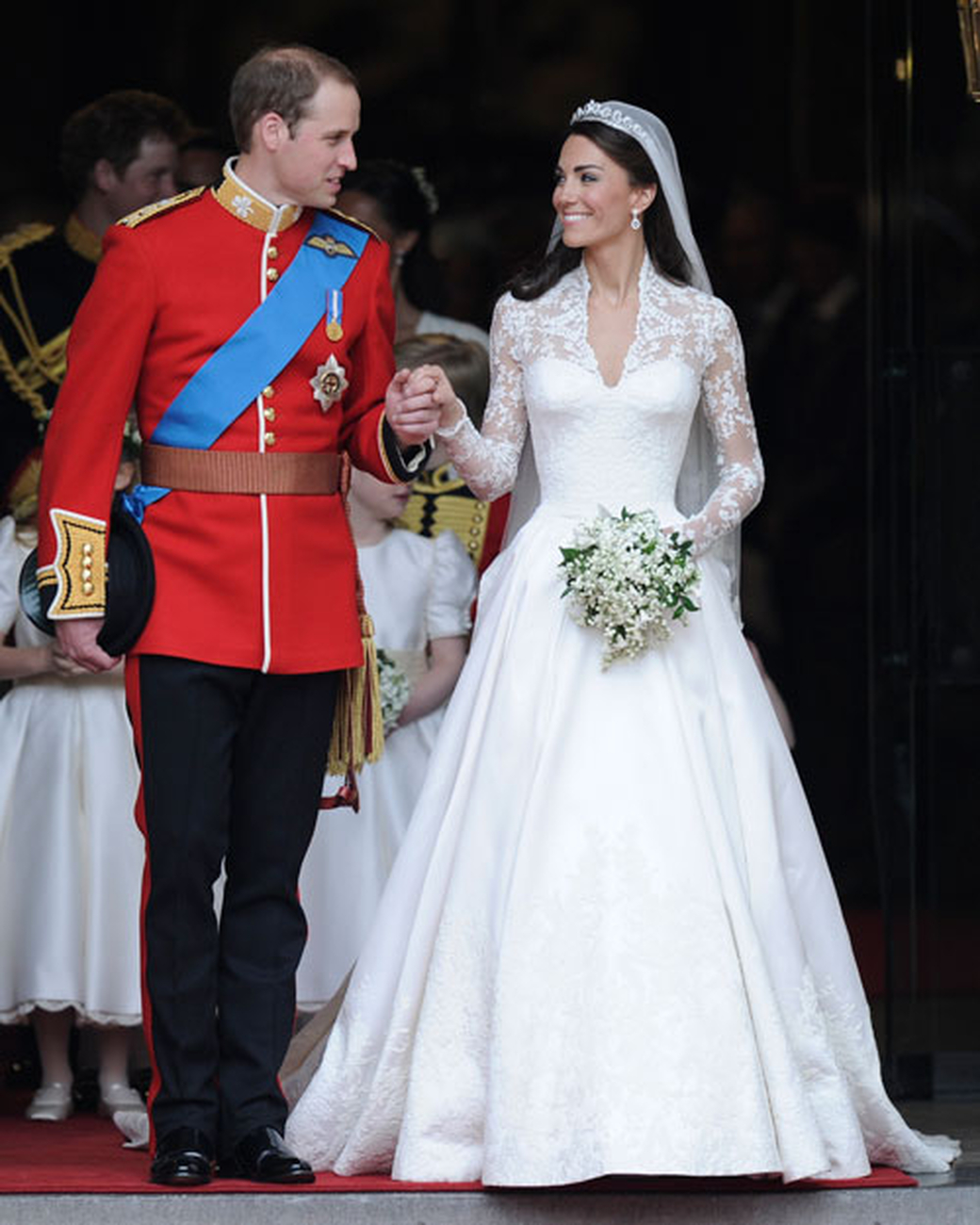 Top 10 most famous best hollywood celebrity wedding dresses for Wedding dress princess kate
