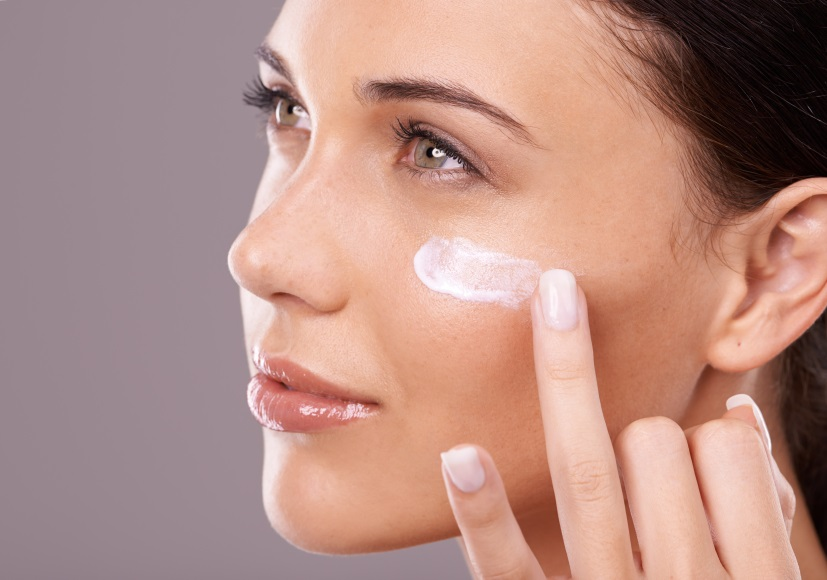 Resultado de imagen para how to apply makeup primer