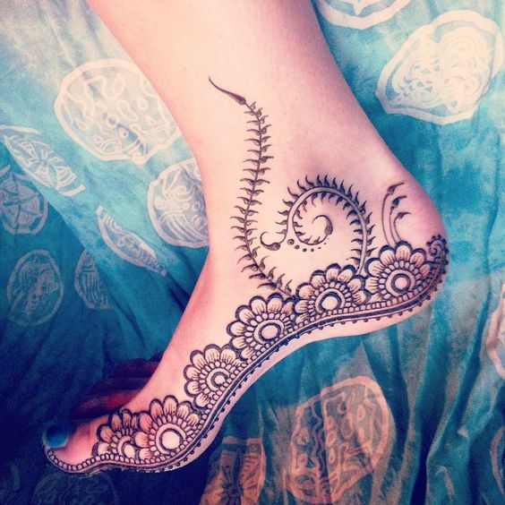 henna-tattoos-for-feet-1