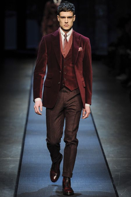 burgundy-velvet-mens-christmas-dress-up-trends-3