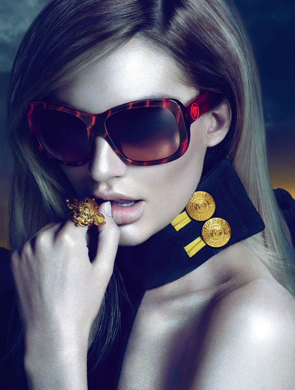 Versace Latest Clothing Men Women Trends for Bags & Glasses (6)