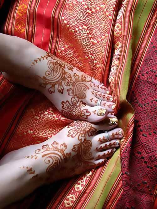 Best & Special Mehndi Designs Collection for Eid & Festivals 2014-2015 (26)