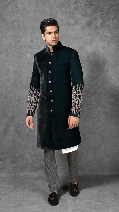 97691bf213 Manish has introduced his new designs of sherwani that in India got lots of  appreciation. If you are looking for a Top Indian Sherwani Designers Best  ...