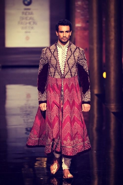 JJ Valaya Top Indian Sherwani Designers Best Collection for Weddings and Parties (4)