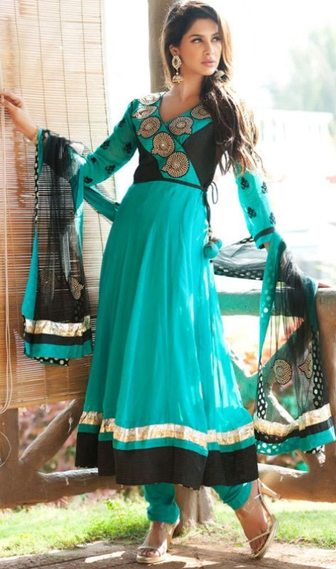 Latest Collection of Indian & Pakistani Best Neck-line (Gala) designs for Girls 2014-2015 (2)