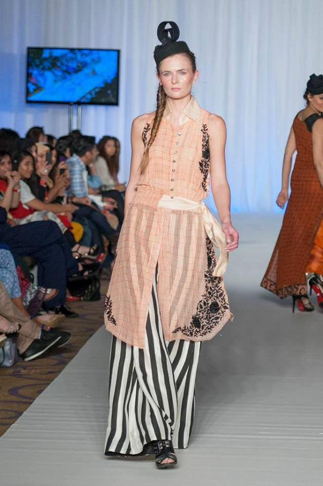 New Trends of Women Fashion Kurtis with Palazzo Pants in Asian Countries for Girls 2014-2015 (23)