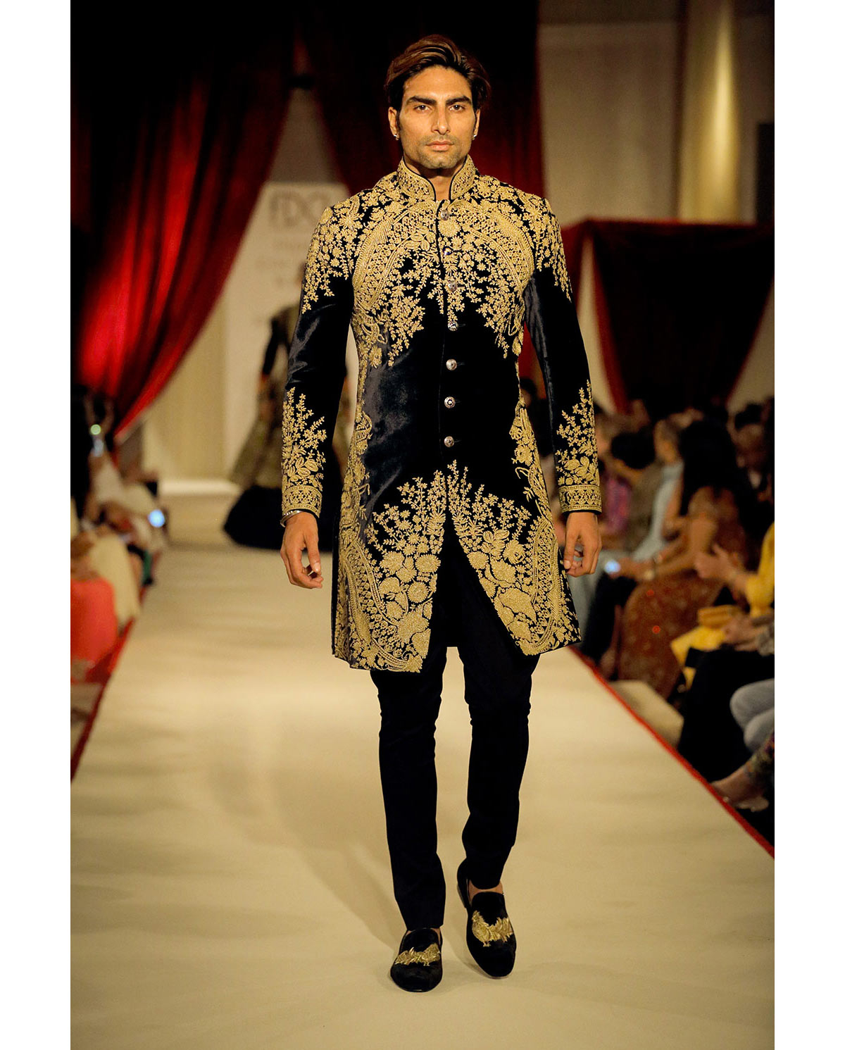 Famous Fashion Designers In India 2018: Top Indian Sherwani Designers Best Collection 2019 for Weddings rh:galstyles.com,Design