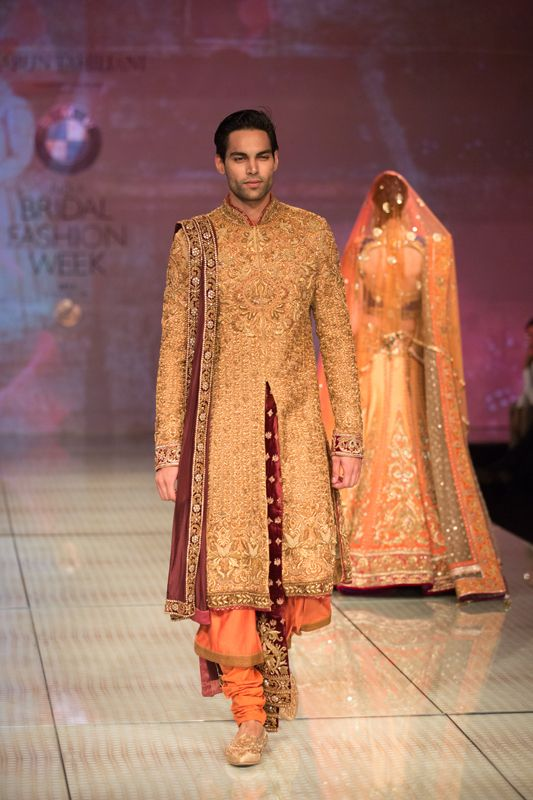 Tarun Tahiliani Top Indian Sherwani Designers Best Collection for Weddings and Parties (4)