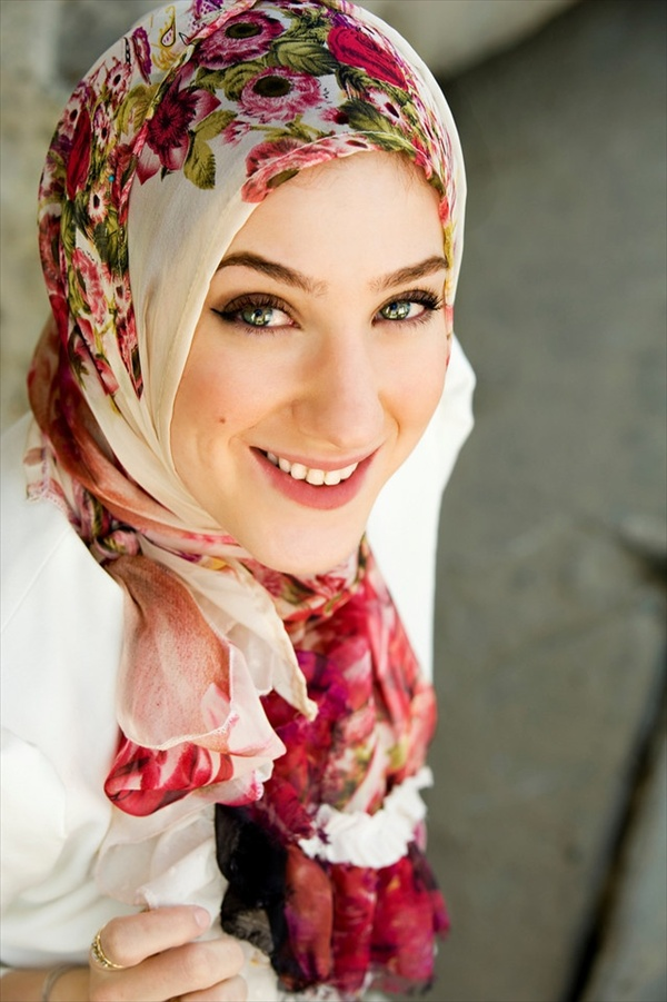 Latest Hijab Style DesignTrends & Tutorial For Girls 2015-2016 with Pictures (27)