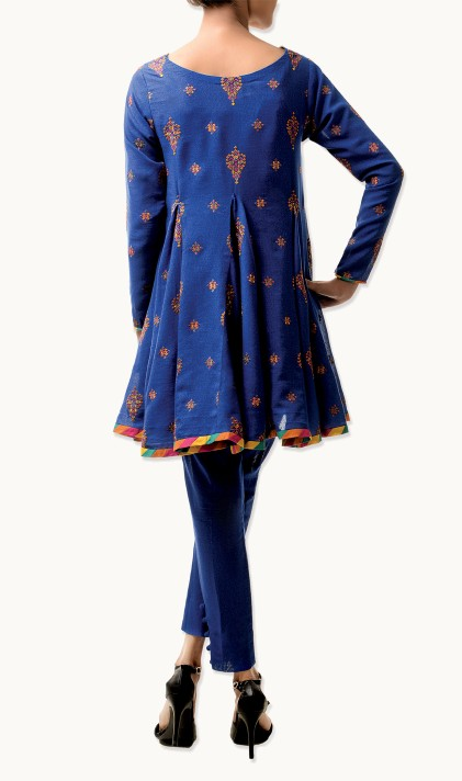 Bareeze Latest Winter Trendy Embroidered Dress Designs Classic Collection 2014-2015 (14)