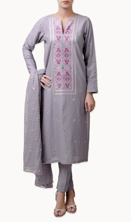 Bareeze Latest Winter Trendy Embroidered Dress Designs Classic Collection 2014-2015 (34)