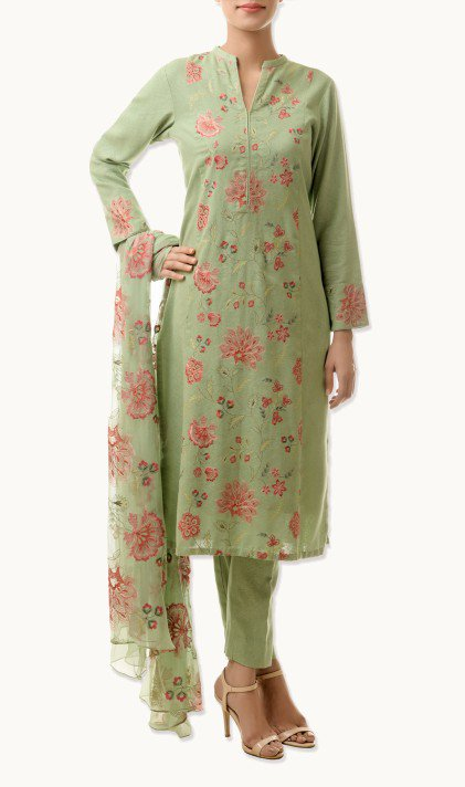 Bareeze Latest Winter Trendy Embroidered Dress Designs Classic Collection 2014-2015 (36)