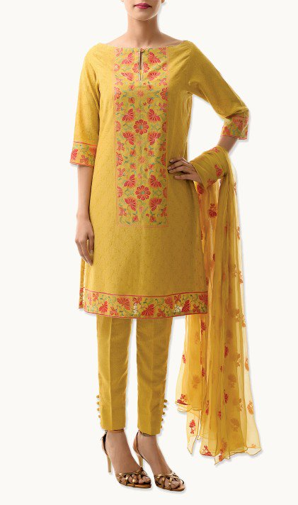 Bareeze Latest Winter Trendy Embroidered Dress Designs Classic Collection 2014-2015 (37)