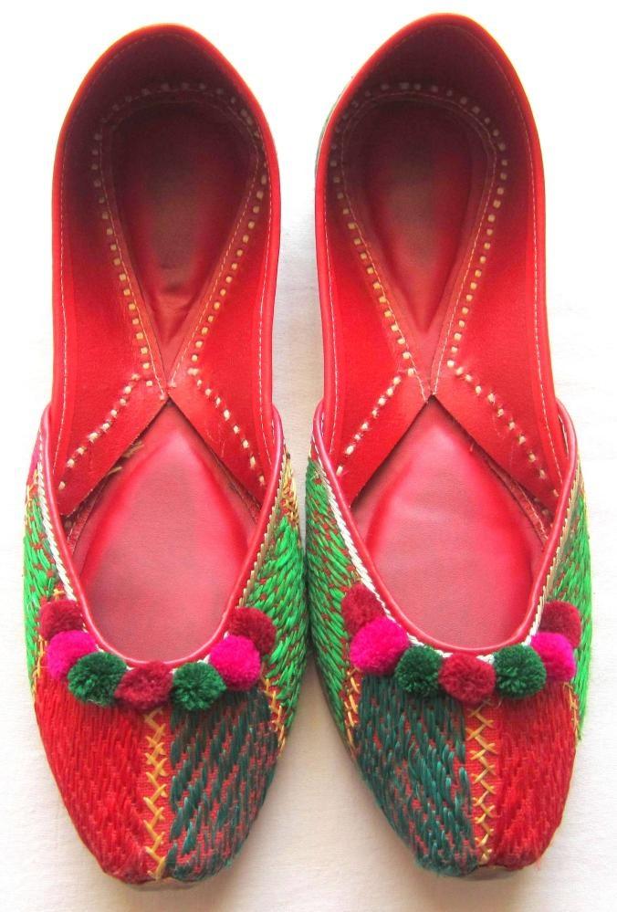 Beautiful Punjabi Khussa Shoes Trends in Asia - Latest Designs  (1)