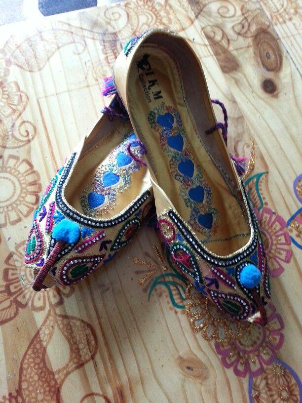 Beautiful Punjabi Khussa Shoes Trends in Asia - Latest Designs  (10)