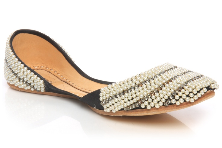 Beautiful Punjabi Khussa Shoes Trends in Asia - Latest Designs  (11)