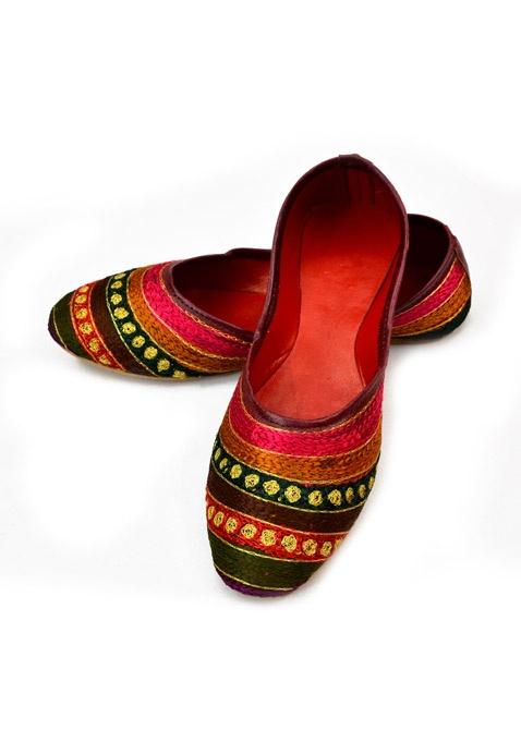Beautiful Punjabi Khussa Shoes Trends in Asia - Latest Designs  (15)